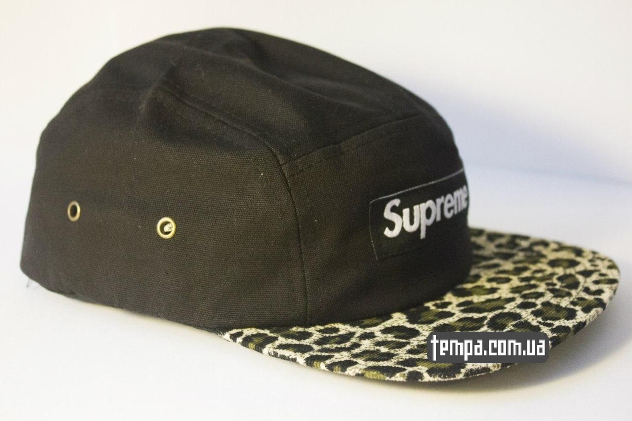 Пятипанельная кепка Supreme чёрная с леопардовым козырьком  231d81ea16edc