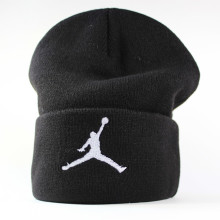 "Шапка beanie Jordan Jump New Era черная ""Прыжок Джордана"""