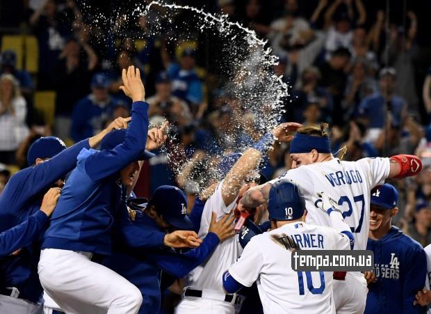 Los Angeles Dodgers бейсбольная команда одежда купить Украина