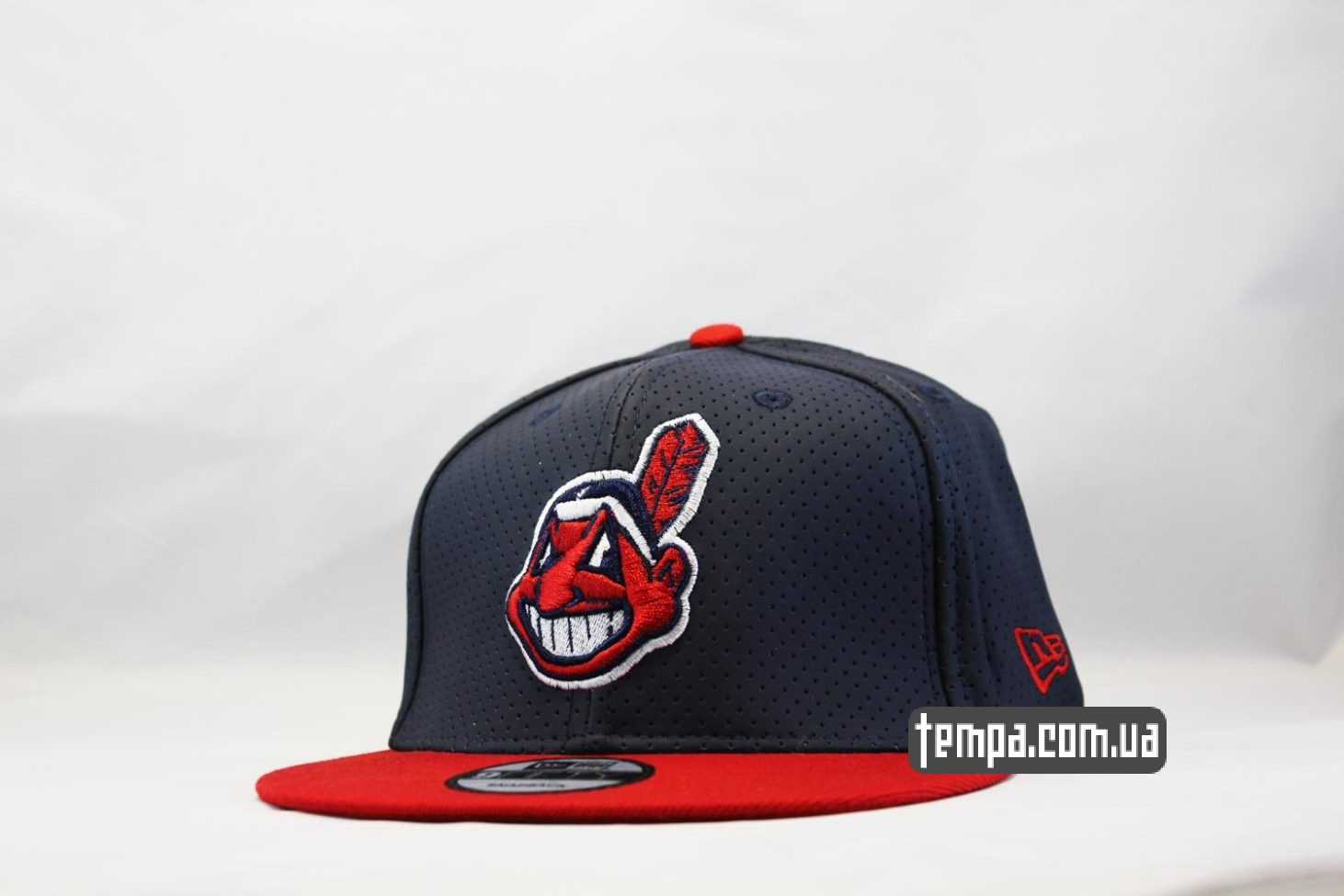 кепка snapback Cleveland Indians New Era trucker с сеточкой