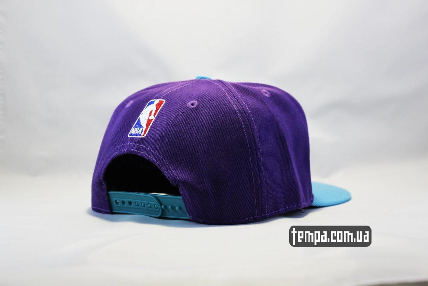 баскетбольная AND1 кепка snapback Hornets фиолетовя с осой New Era купить