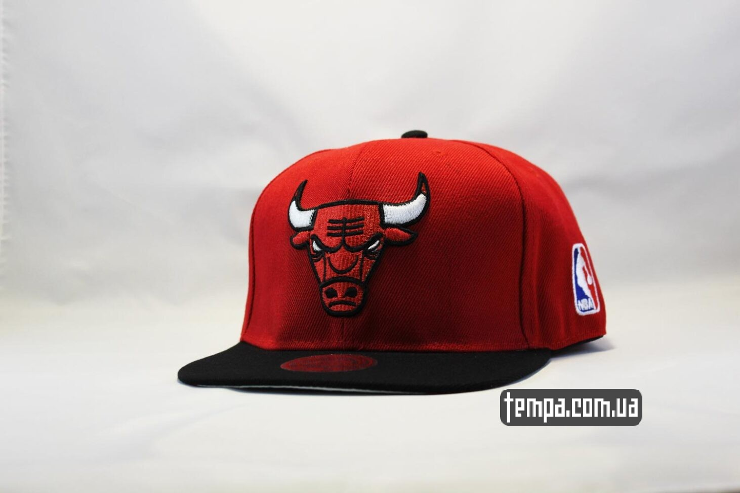 кепка snapback Chicago Bulls New Era красная с быком