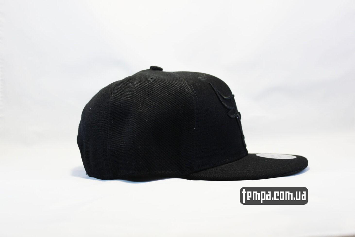 пустая черная однотонная кепка snapback Chicago Bulls black New Era черная с черным быком